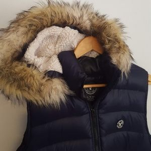 American Eagle insulated vest with removable hood